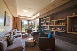 A seating area at Sirayane Boutique Hotel & Spa Marrakech