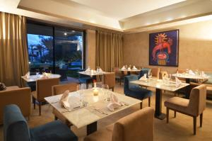 A restaurant or other place to eat at Sirayane Boutique Hotel & Spa Marrakech