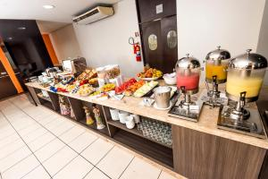 Breakfast options available to guests at SLZ Lagoa Hotel