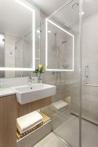 A bathroom at Courtyard by Marriott Vilnius City Center