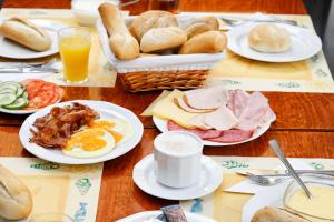 Breakfast options available to guests at Hotel Noordzee