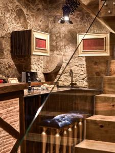 A kitchen or kitchenette at Solar Antigo Luxury Coimbra