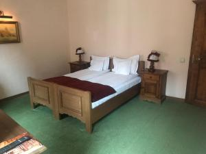A bed or beds in a room at Hotel Villa Franca