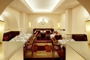 מסעדה או מקום אחר לאכול בו ב-Hotel Villa Duse