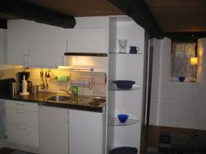 A kitchen or kitchenette at Mörbylånga B&B