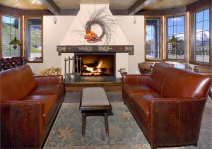 A seating area at Nordic Inn