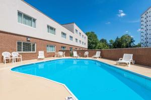 The swimming pool at or near Ramada by Wyndham Paintsville Hotel & Conference Center