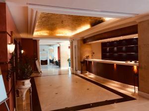 Ο χώρος του λόμπι ή της ρεσεψιόν στο Hotel Olympia Palace