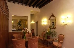 The lobby or reception area at Hotel Locanda Canal