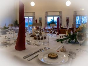 En restaurant eller et andet spisested på Hotel Aarslev Kro