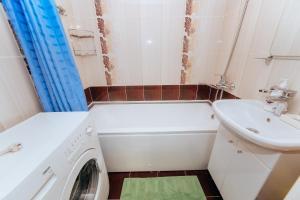 Ванная комната в Апартаменты метро Козья слобода ТРК Тандем