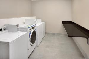 A kitchen or kitchenette at Homewood Suites Minneapolis - Mall of America