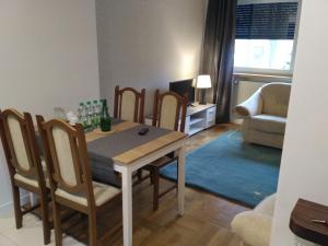 A seating area at Apartament Legnicka 1