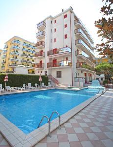 Piscina di Apartment Residence Acapulco o nelle vicinanze