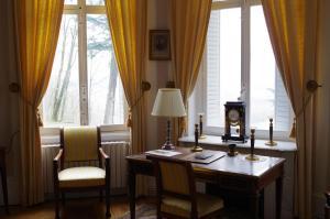 A seating area at Chateau de Varambon