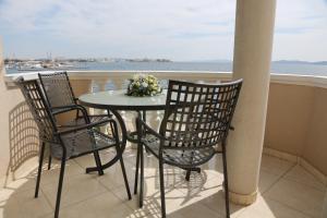 Ein Balkon oder eine Terrasse in der Unterkunft Villa Punta