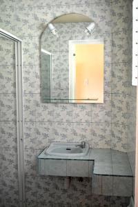 A bathroom at Asian Belgian Dive Resort