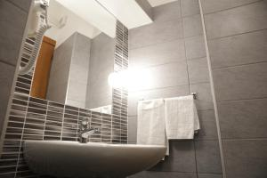 A bathroom at Hotel Helvetia