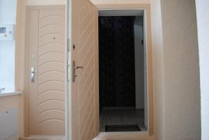 A bathroom at Studio i spalʹnya na Uspensʹkiy