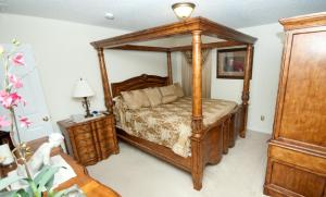 A bed or beds in a room at *****The Emerald Villa...