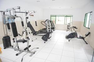 The fitness center and/or fitness facilities at Plaza Dutra Hotel