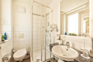 A bathroom at CityClass Hotel Europa am Dom