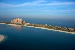 A bird's-eye view of Atlantis The Palm, Dubai