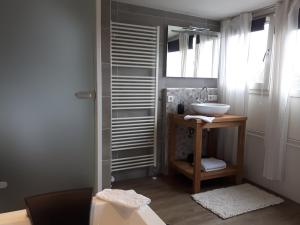 Een badkamer bij Sleep Well Ness Domburg