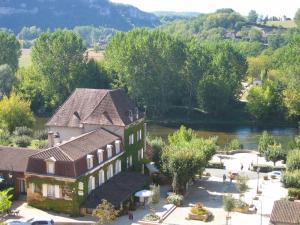 A bird's-eye view of Hostellerie du Passeur- Hotel & Restaurant -Piscine chauffée privée à 200m