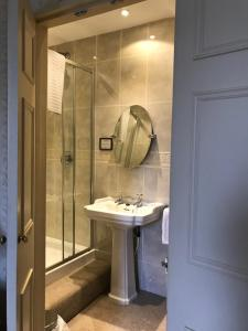 A bathroom at Stower Grange Hotel