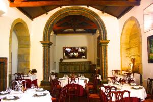 A restaurant or other place to eat at Hotel Convento Nossa Senhora do Carmo