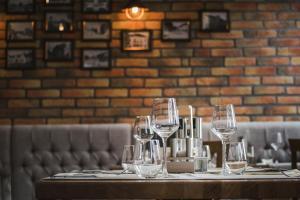 Ресторан / где поесть в Rooms The King's Pub