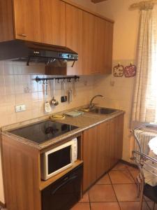 A kitchen or kitchenette at Casa Valentina