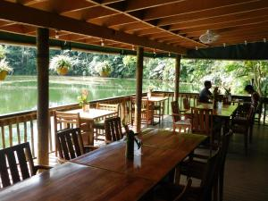 A restaurant or other place to eat at Colo-I-Suva Rainforest Eco Resort