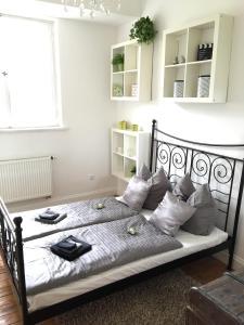 Ein Bett oder Betten in einem Zimmer der Unterkunft Schloss Grabow