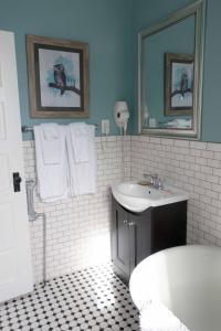 A bathroom at Sauerdough Lodging