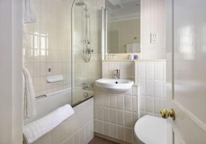 A bathroom at The Berkeley Square Hotel Bristol