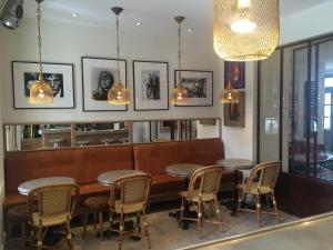 The lounge or bar area at Pastis Hotel St Tropez