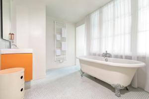Salle de bains dans l'établissement Vintage Hotel Brussels