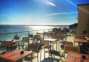 A restaurant or other place to eat at The Pegwell Bay Hotel