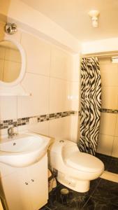 Un baño de Alojamiento Condor Kanqui
