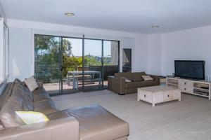 A seating area at 1 Sunset Place