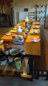 Restaurant ou autre lieu de restauration dans l'établissement Le Fournia