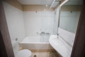 Ένα μπάνιο στο Ξενοδοχείο Παππάς