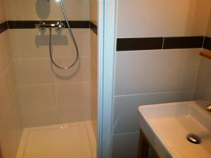 A bathroom at Chalet Narcisse