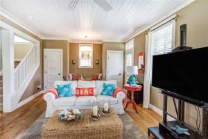 A seating area at Seabluff at Seabrook Three-Bedroom Home
