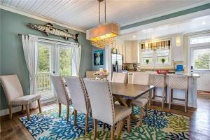 A restaurant or other place to eat at Seabluff at Seabrook Three-Bedroom Home