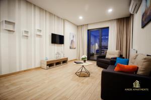 A seating area at Ameri Apartments