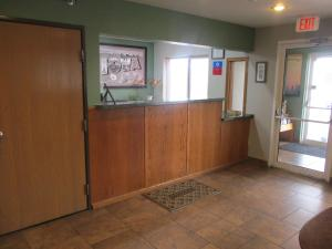The lobby or reception area at SureStay Plus Hotel by Best Western Bettendorf
