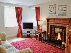 A television and/or entertainment center at Crovie